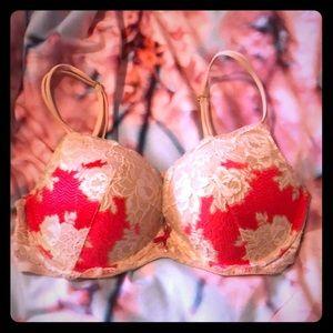 Victoria's Secret push up lace bra size 38C